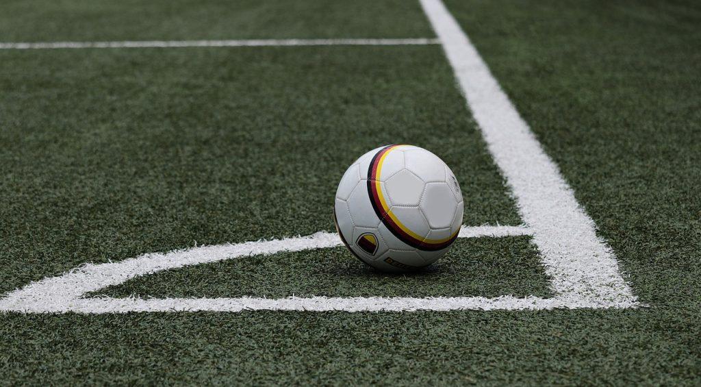 サッカーボール フィールド